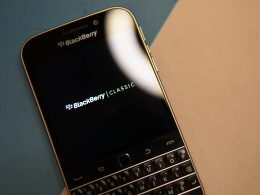 picture-of-blackberry-classic-smartphone