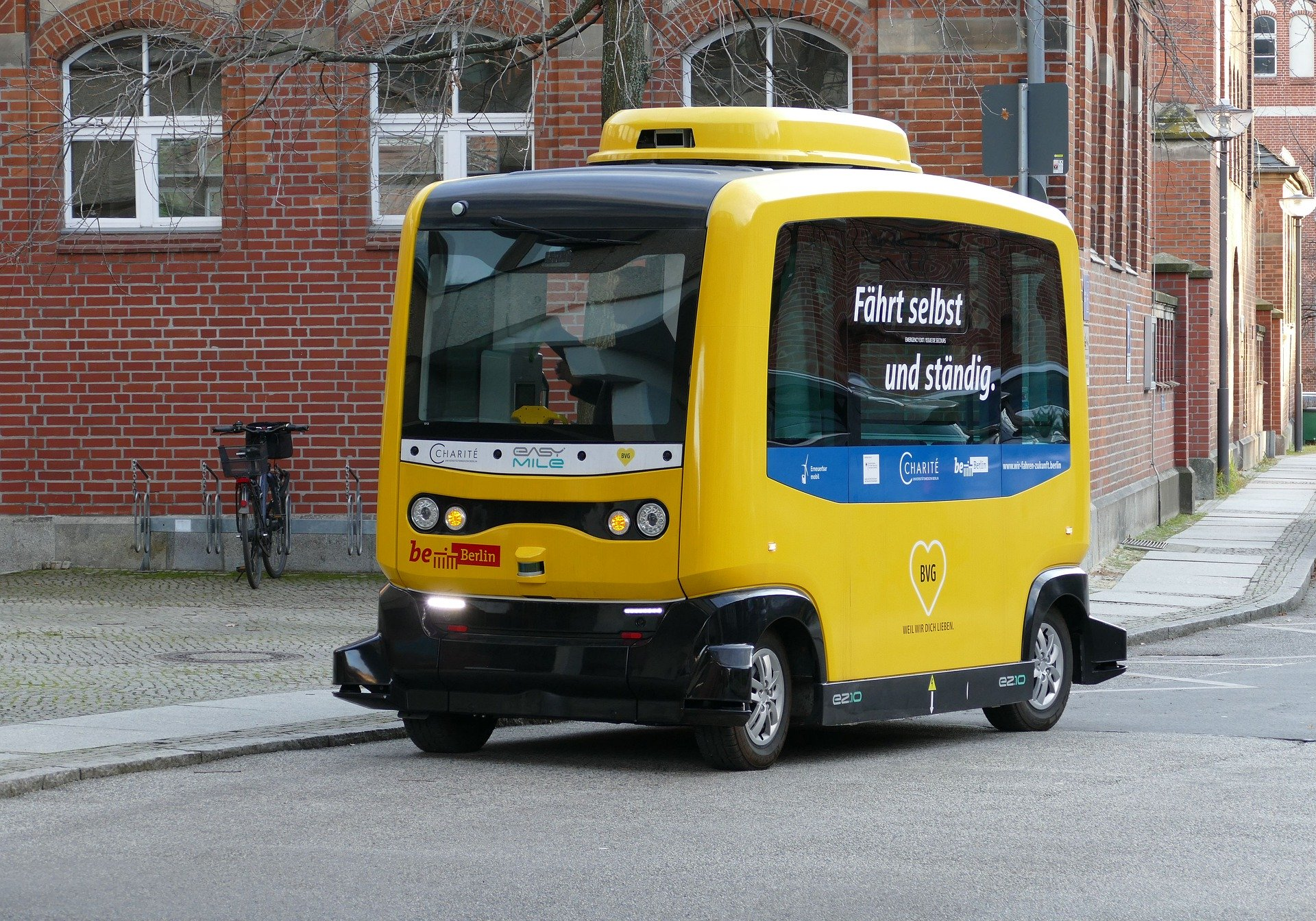 picture-of-autonomous-self-driving-car-in-Germany
