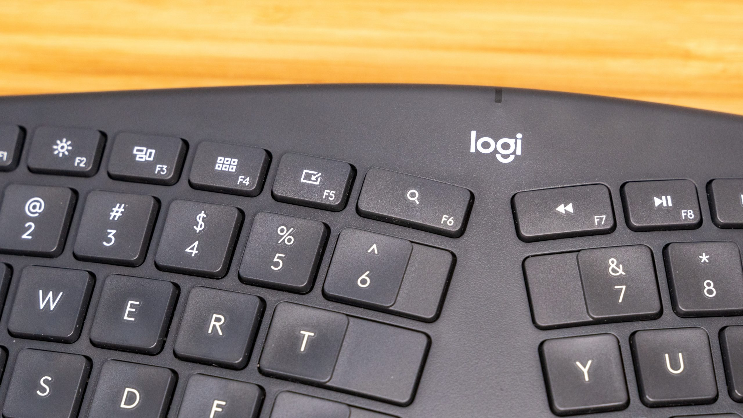 picture-of-logitech-ergonomic-keyboard