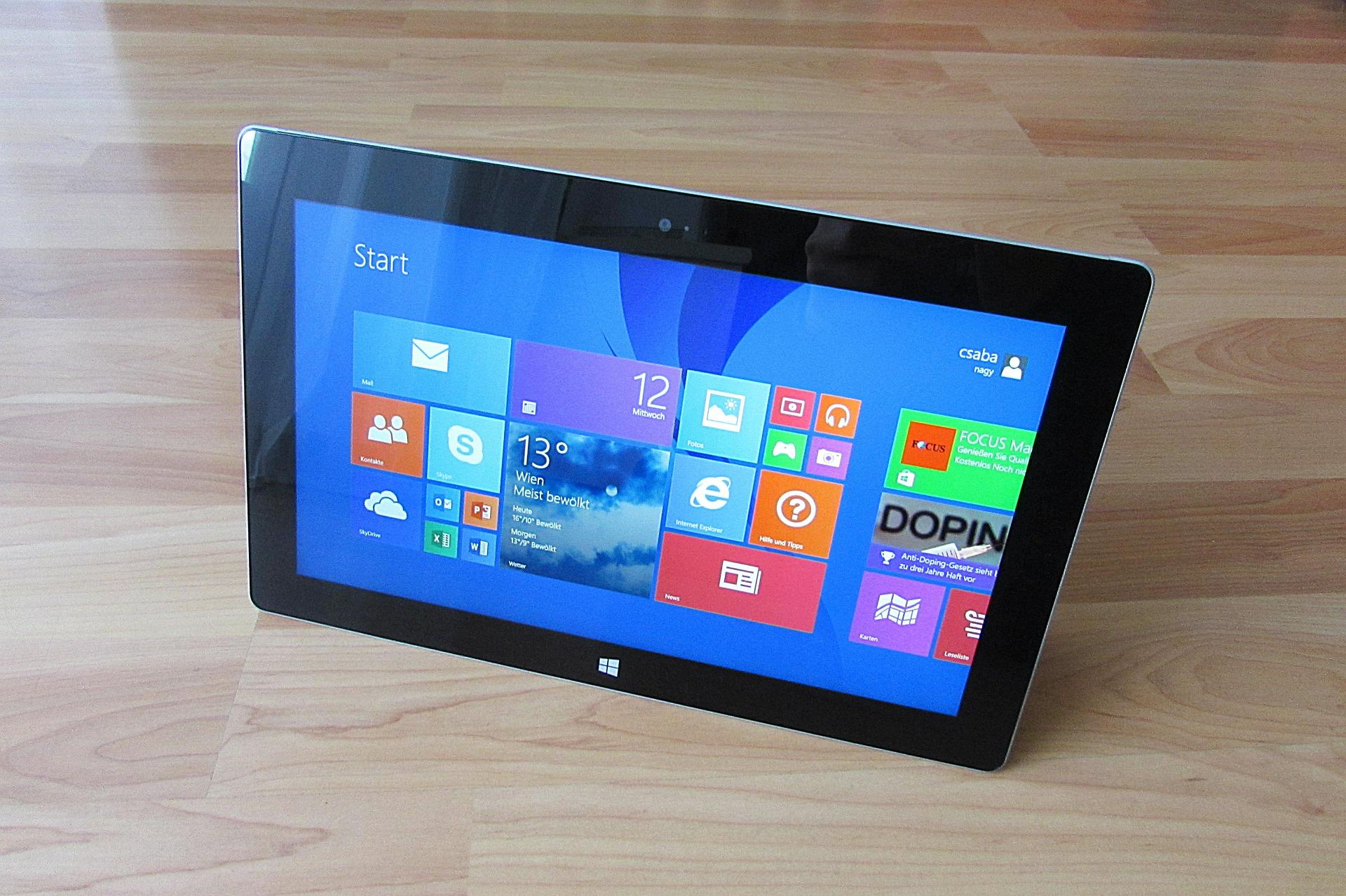 windows-8-tablet-sitting-on-desk
